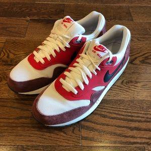 Nike Air Max 1 Essential University Red